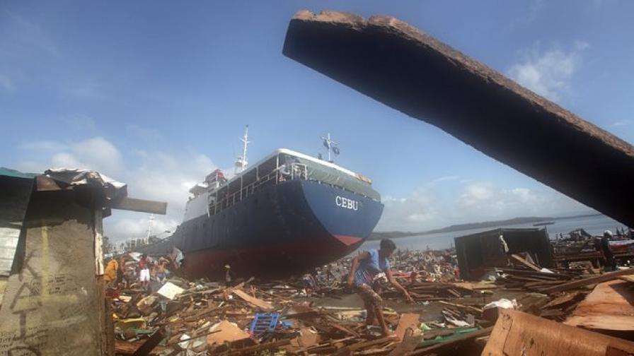 """Виетнам дава жертви още преди нахлуването на тайфуна """"Хаян"""""""
