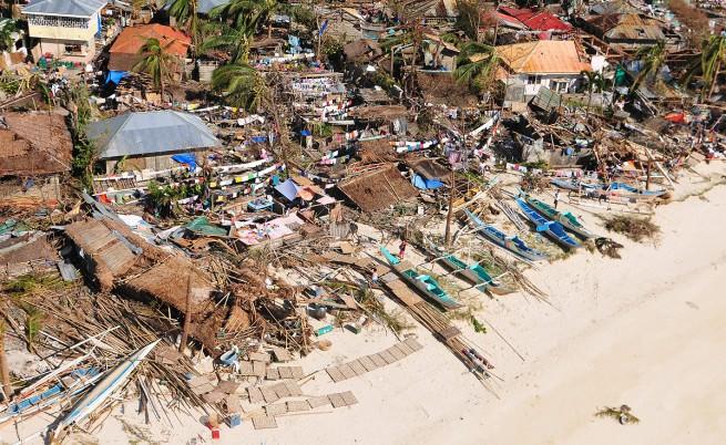 Най-малко 10 хил. са жертвите на тайфуна Хайян на Филипините