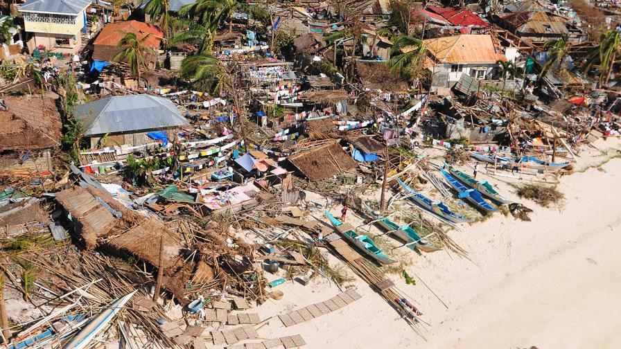 Най-малко 10 хил. са жертвите на Хайян на Филипините