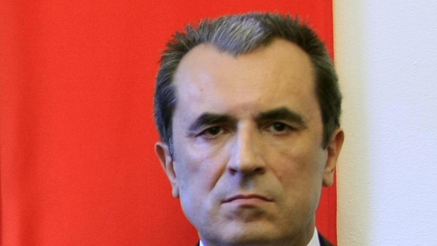 Орешарски: Твърде рано е за смяна на министри
