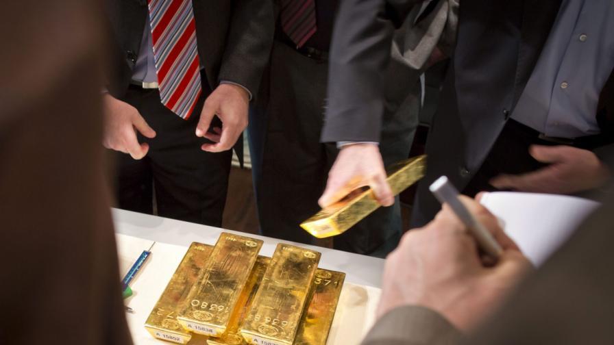 Откриха злато за $1,1 млн. в тоалетната на самолет