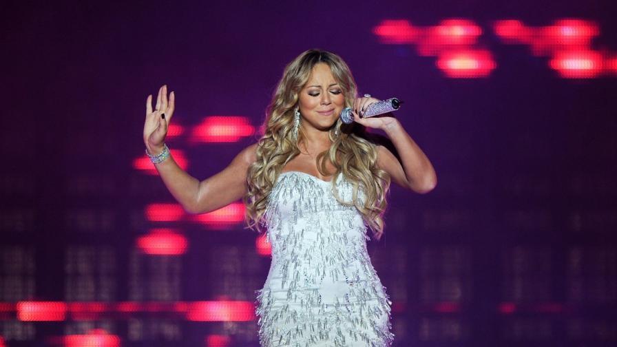 """Марая Кери отново оглави коледната класация на """"Билборд"""""""