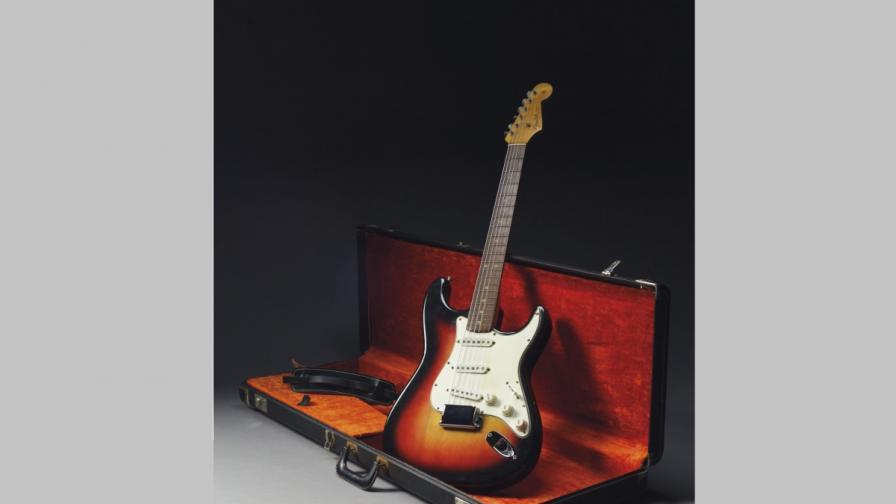 Близо 1 млн. долара за най-скъпата китара в света