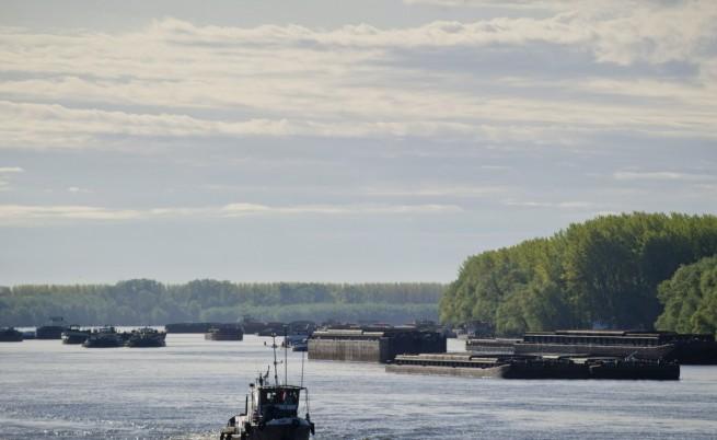 Пет кораба се сблъскаха в Дунав, няколко души са ранени