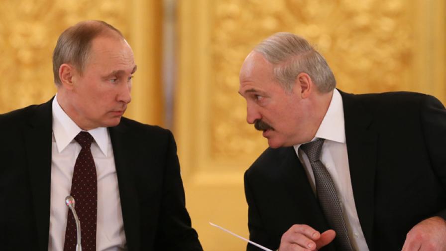 Путин дава 2 млрд. заем на Беларус