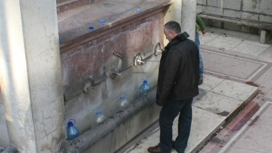 Водата в пластмасова бутилка има над 24 500 химикала