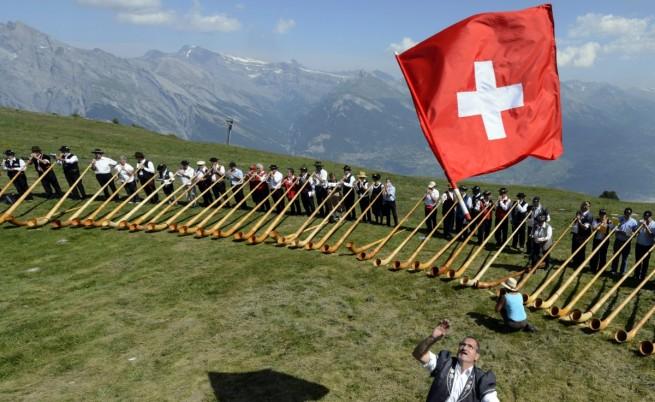 Остават ограниченията за румънски и български работници в Швейцария