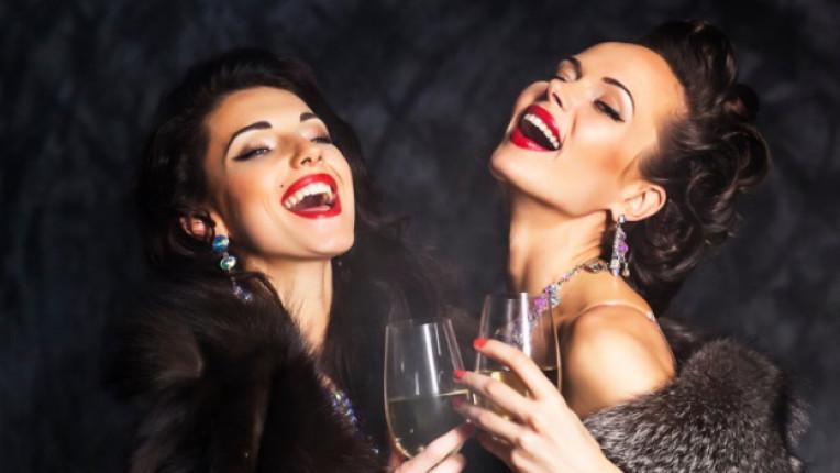 новогодишна нощ визия мода стайлинг рокля аксесоари стил