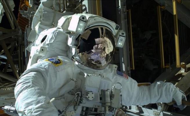 На МКС ще посрещнат Нова година 15 пъти