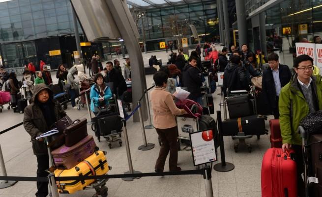 Румънската преса: Броят имигрантите, които кацат в Лондон