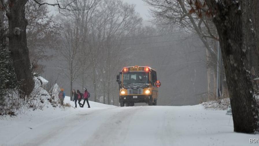 Сняг и студ полазиха североизтока в САЩ