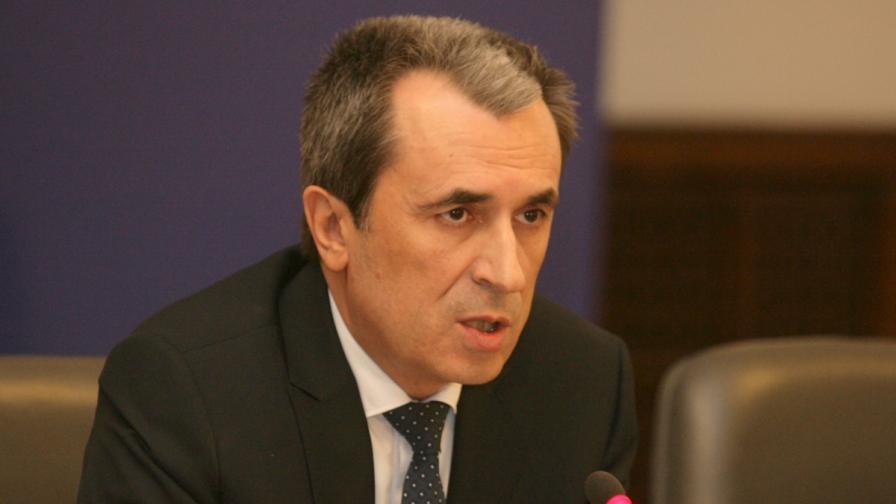 """""""Сега"""": Правителството ще емитира 900 млн. лв. нов дълг само за месец"""