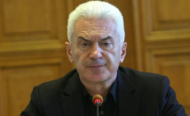 Скандалът във Варна: Сидеров проявил агресия към френски дипломат