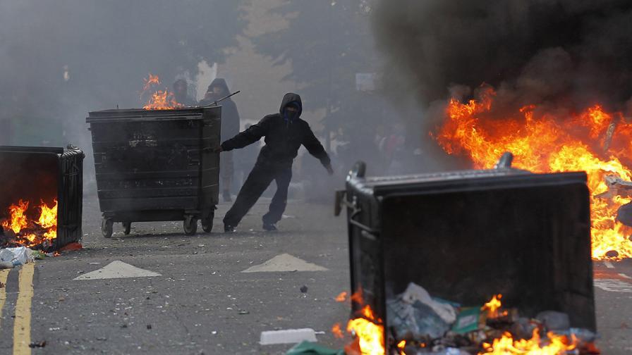 Лондон: Оправдаха полицията за убийството, довело до размириците през 2011 г.